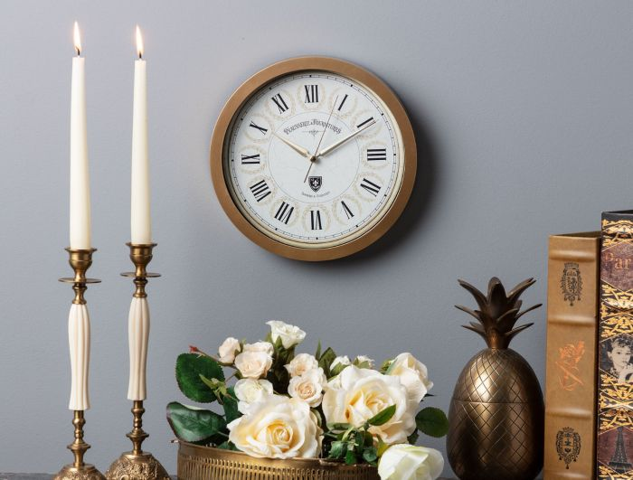 Fournitures Wall Clock